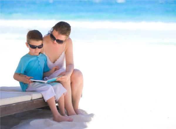 Καλοκαίρι: Συμβουλευτικός Οδηγός για το Διάβασμα του Παιδιού σας το Καλοκαίρι