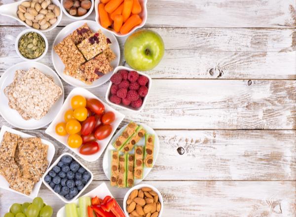 Υγιεινά μικρά γεύματα κατά τη διάρκεια της ημέρας